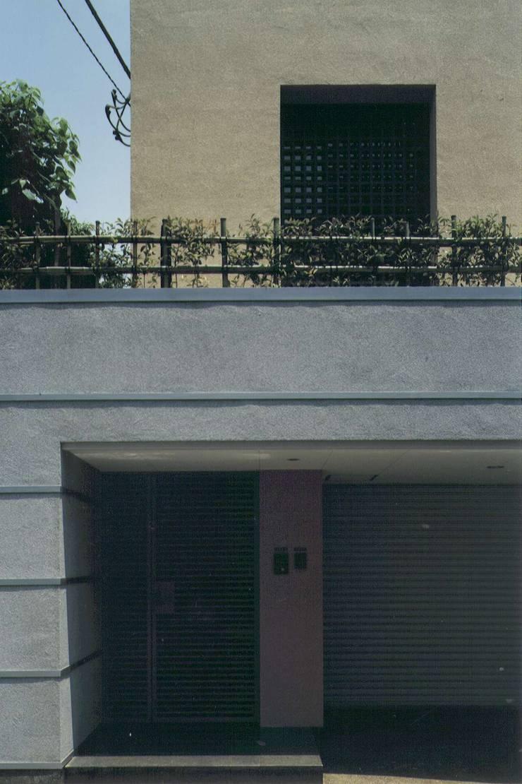 大浦邸: 株式会社 高井義和建築設計事務所が手掛けた家です。