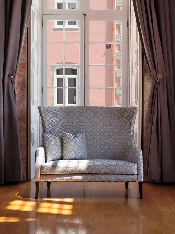 Barrok FR: Casa  por Aldeco, Interior Fabrics
