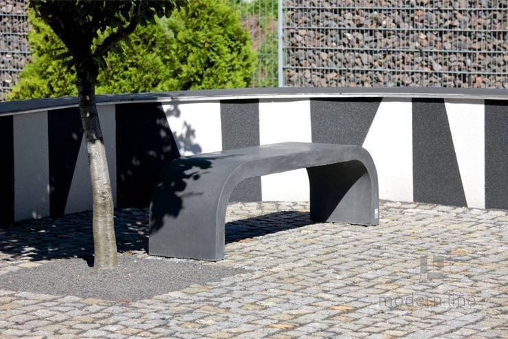 Betonowe ławki.: styl , w kategorii Ogród zaprojektowany przez Modern Line,Nowoczesny