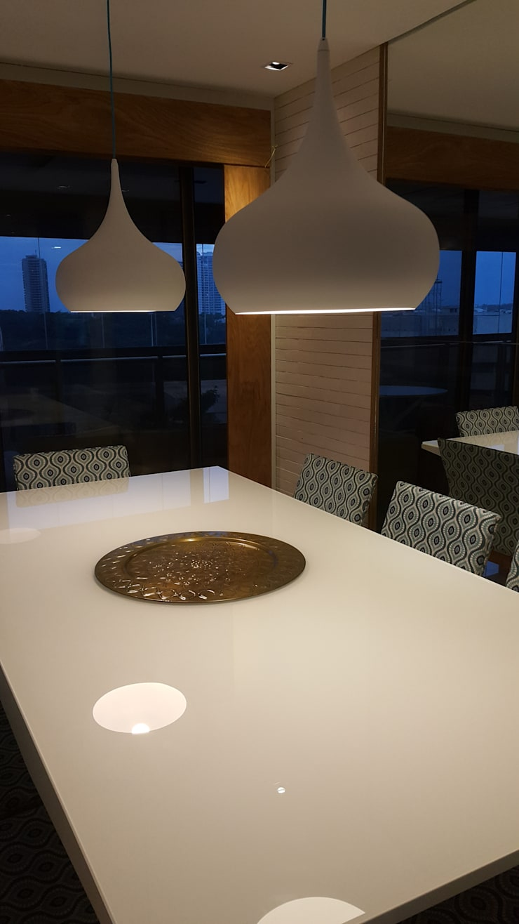 Sala de jantar.: Salas de jantar  por Lucio Nocito Arquitetura e Design de Interiores ,