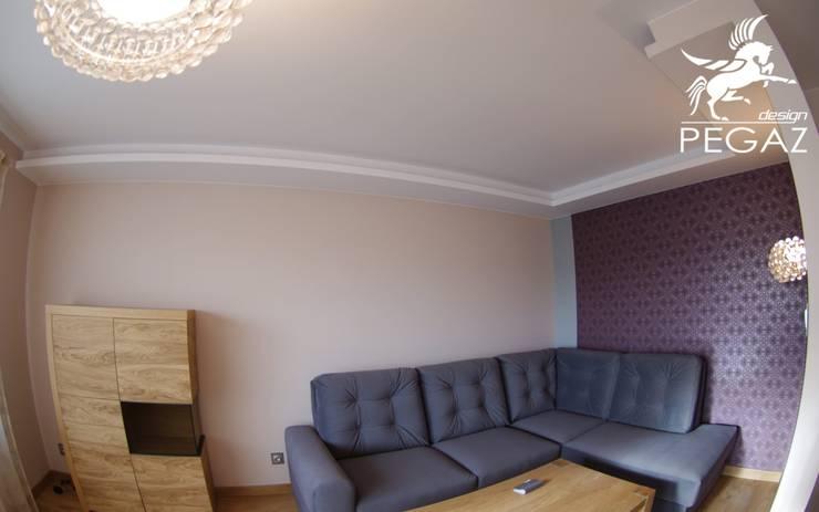 Dom kobiecy: styl , w kategorii Ściany zaprojektowany przez Pegaz Design,Nowoczesny