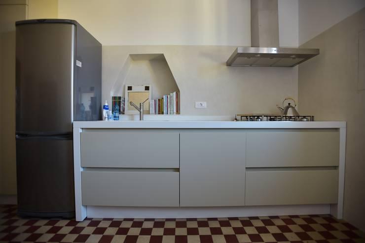 Cocinas de estilo  por K.B. Ristrutturazioni