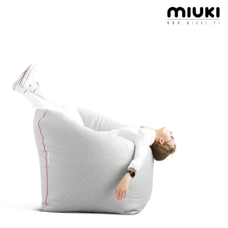 OFFICE ZIP: styl , w kategorii  zaprojektowany przez MIUKI,Nowoczesny