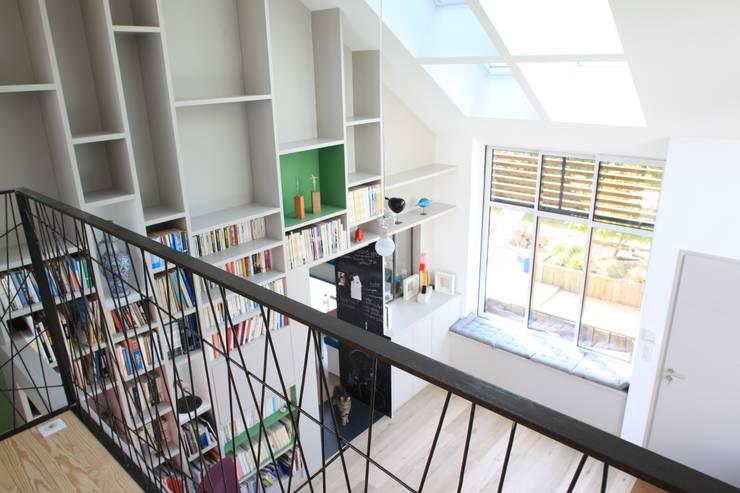 CANYON: Salon de style  par Bertin Bichet
