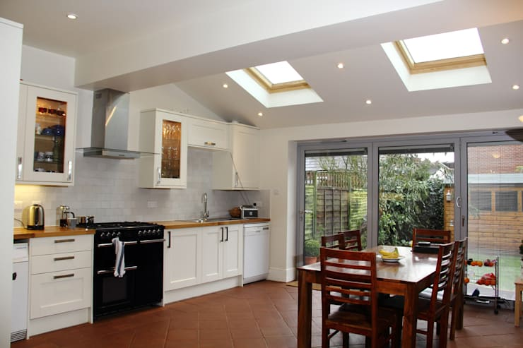 Ground Floor Extension, Drury Rd:  Kitchen by London Building Renovation