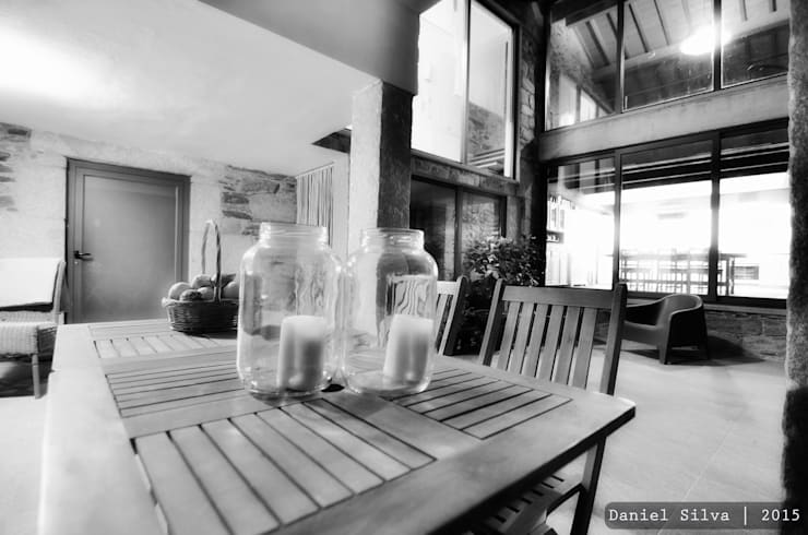 Pátio: Casas  por Casa do Páteo