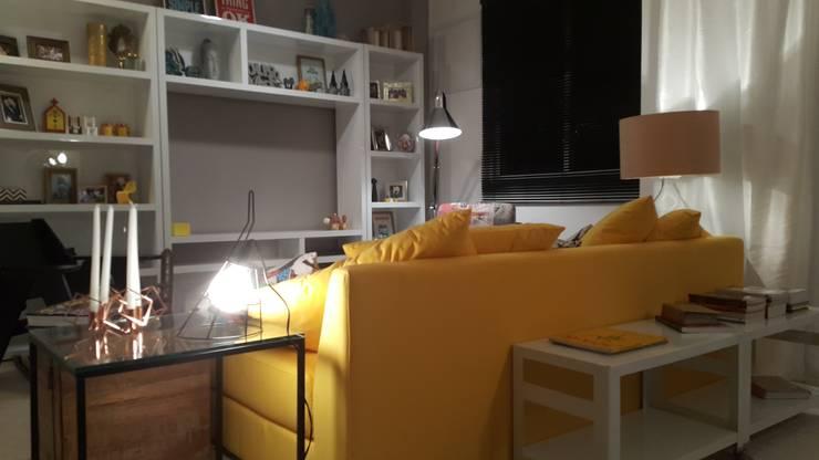 Detalhes da sala de estar ainda em fase de produção..: Sala de estar  por Lucio Nocito Arquitetura e Design de Interiores ,
