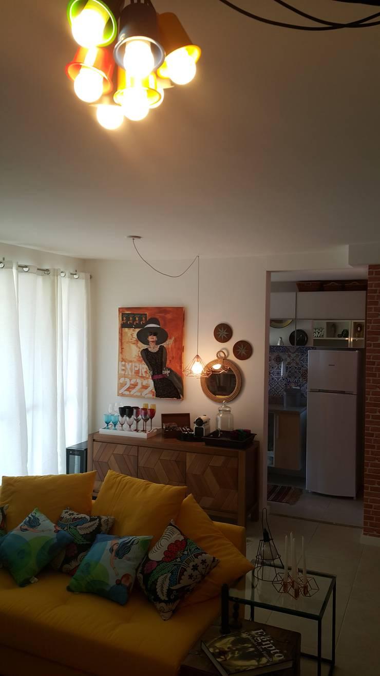 Detalhes área social do apartamento.: Cozinha  por Lucio Nocito Arquitetura e Design de Interiores ,