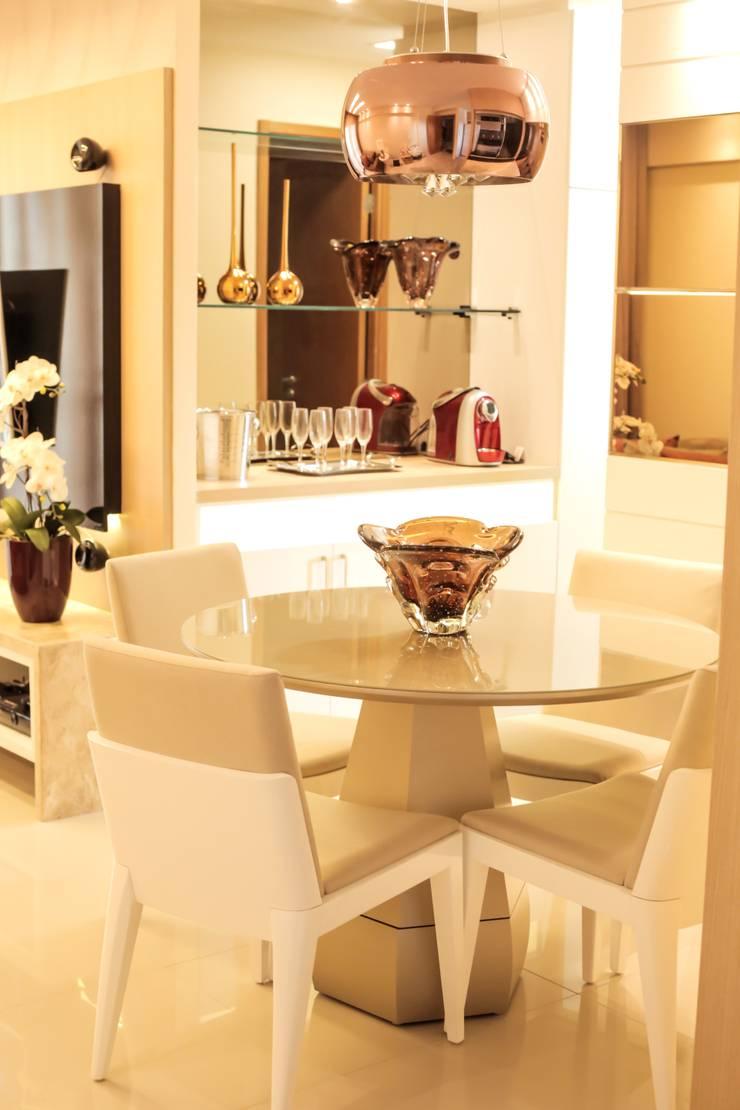 Projeto Sala: Sala de jantar  por Amanda do Espírito Santo Design de Interiores,