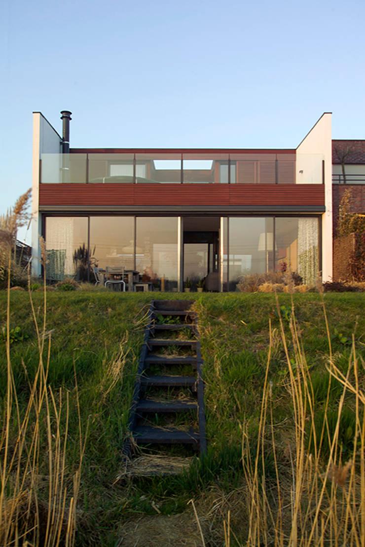 Rumah Modern Oleh KENK architecten Modern