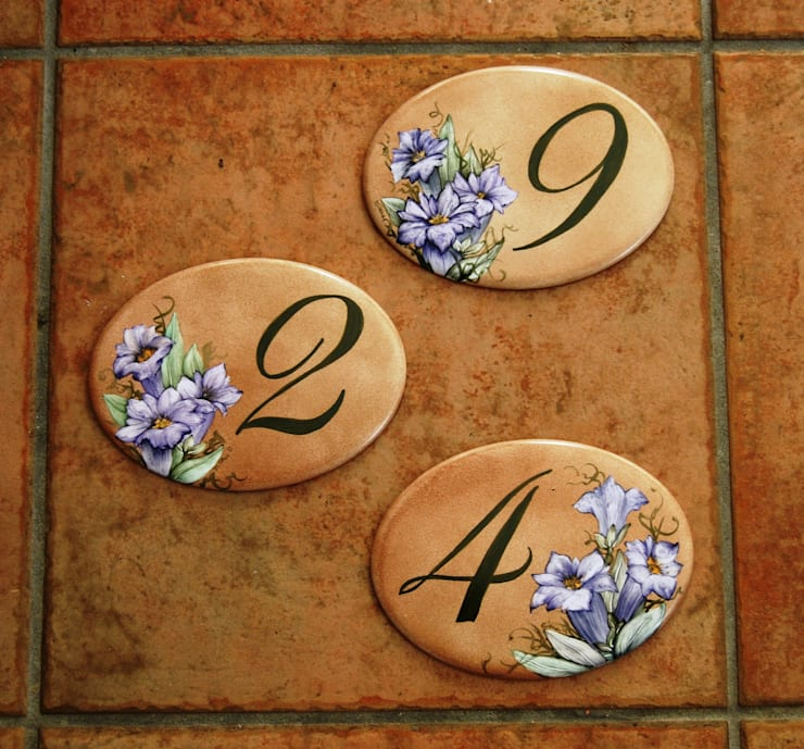Targhette Per Porte In Ceramica.Targhe Placche E Piastrelle Di Milena Alippi Decorazioni Homify