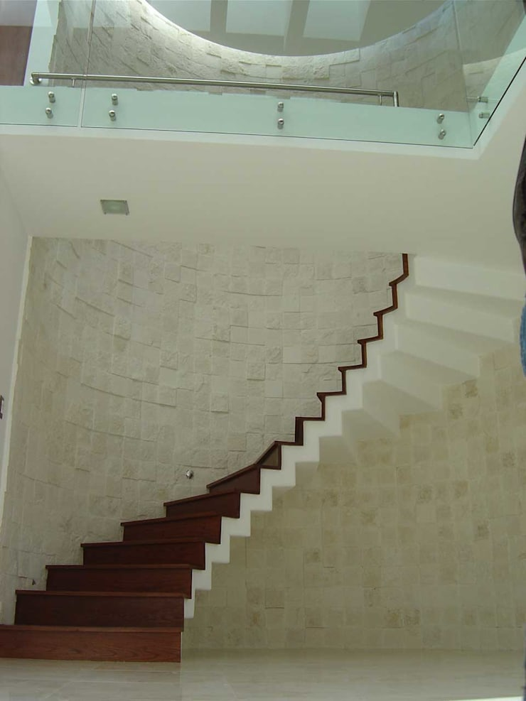 Koridor dan lorong oleh SANTIAGO PARDO ARQUITECTO
