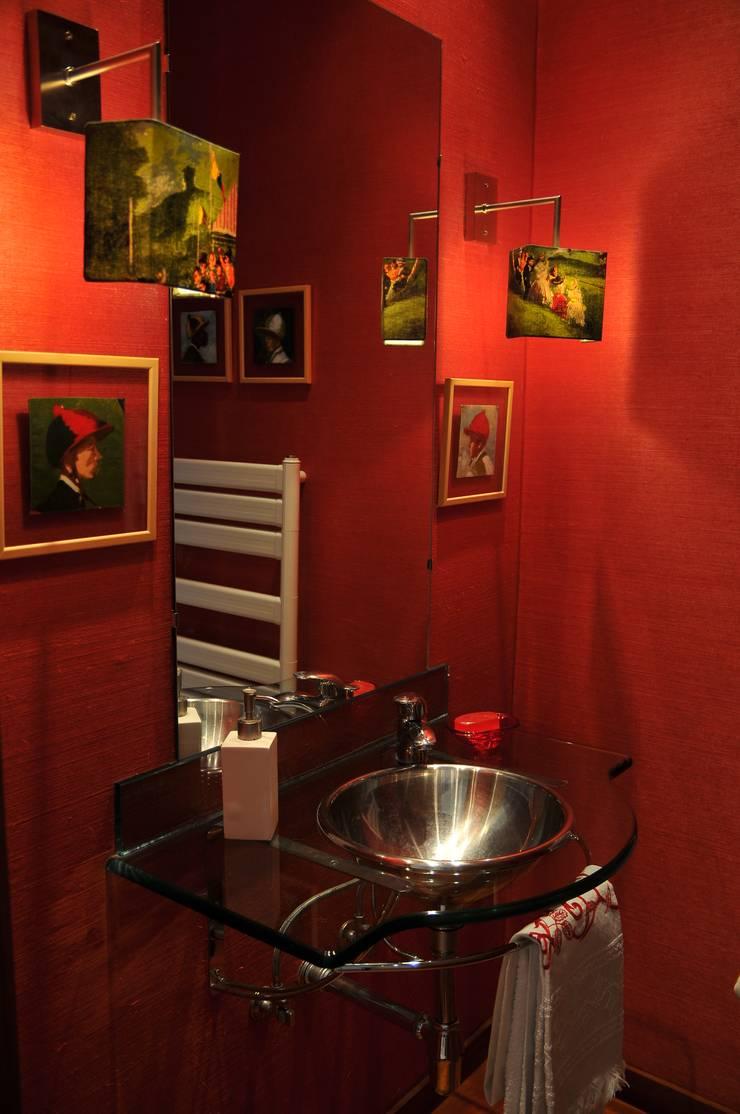 Casa Particular : Casas de banho  por Luisa Pinho Arte e Decoração