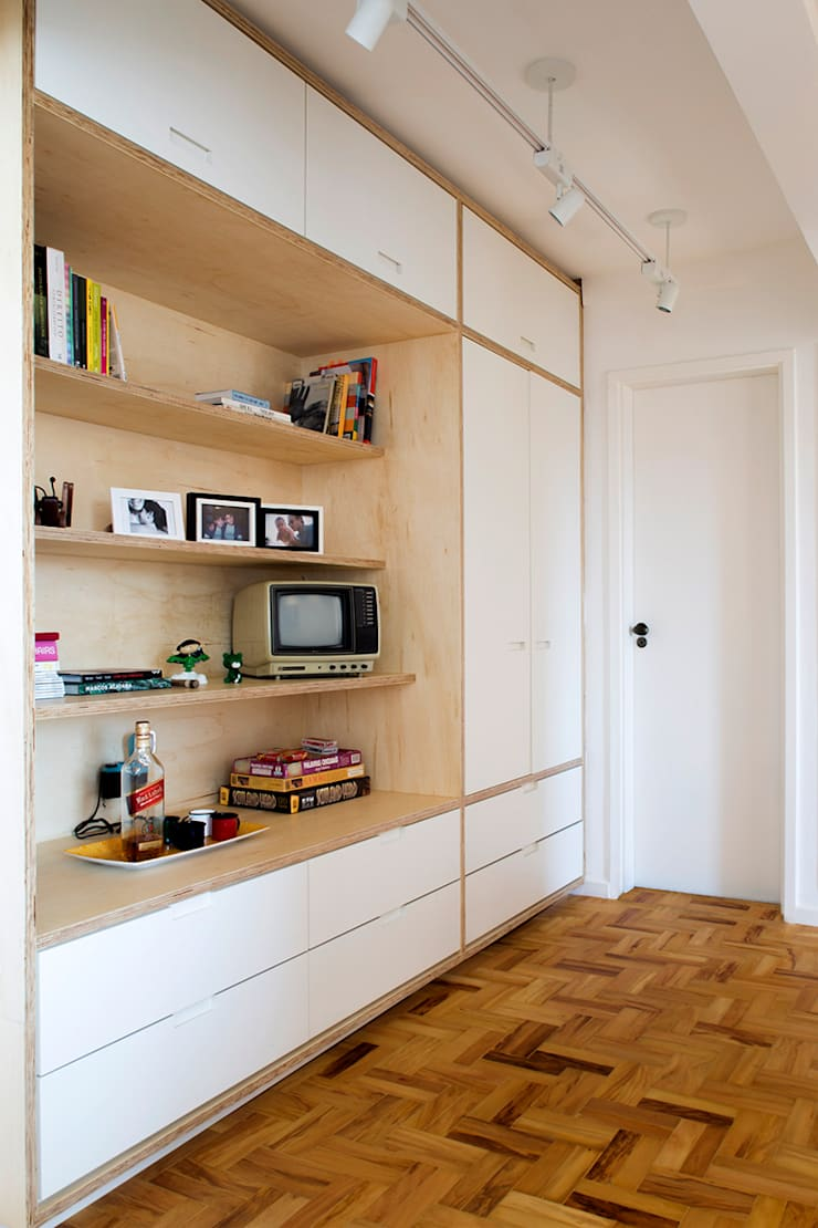 Projeto Apartamento Ipiranga: Closets  por Estudio MB