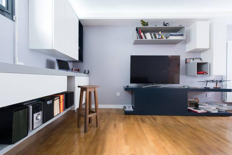 modern Living room by LA CUISINE DANS LE BAIN SK CONCEPT