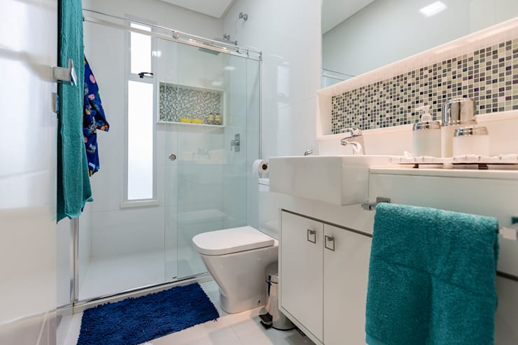 Projeto 3 Banheiros modernos por Cristiane Fernandes Designer de Interiores Moderno