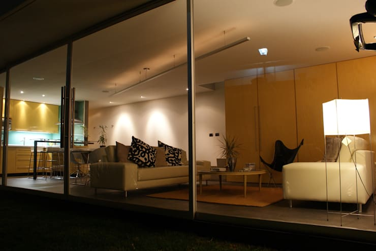 CASA FR: Salas de estilo  por Interior 3 Arquitectura