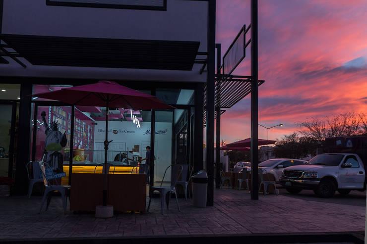 Paleteria en Solares: Restaurantes de estilo  por INDICO