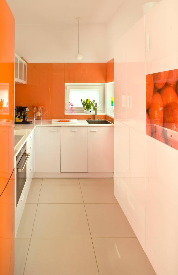 Dom w Kiełczowie : styl , w kategorii Kuchnia zaprojektowany przez Jeżewska & Zakrawacz