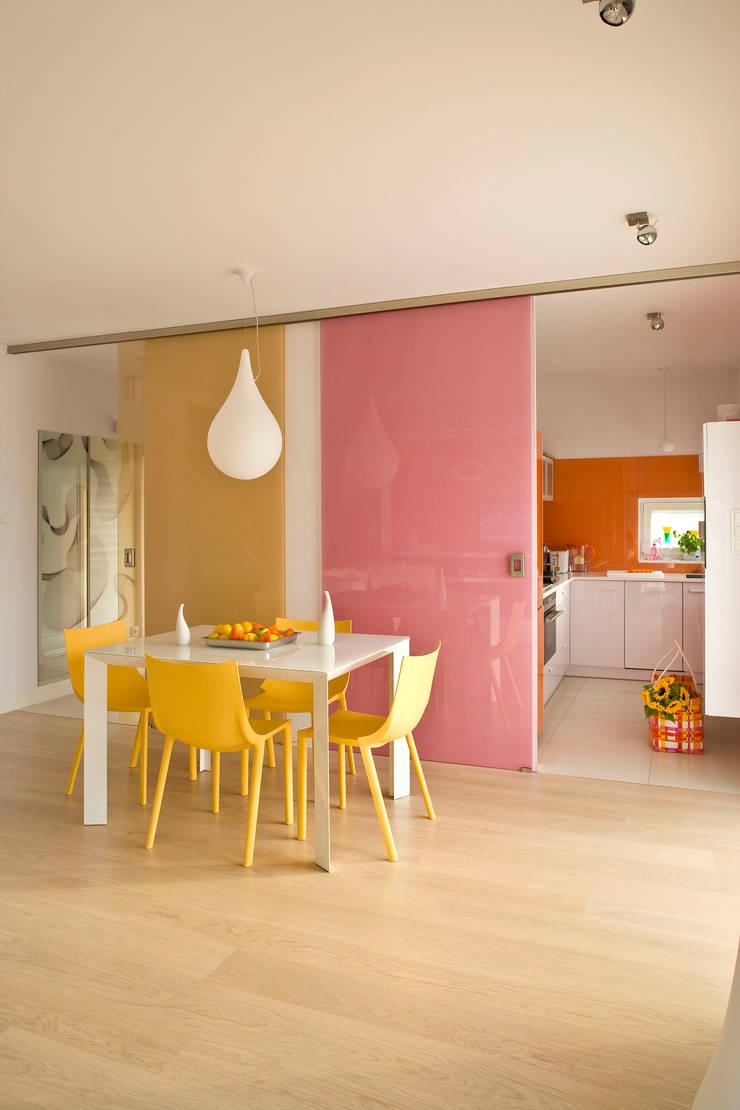 Dom w Kiełczowie : styl , w kategorii Jadalnia zaprojektowany przez Jeżewska & Zakrawacz