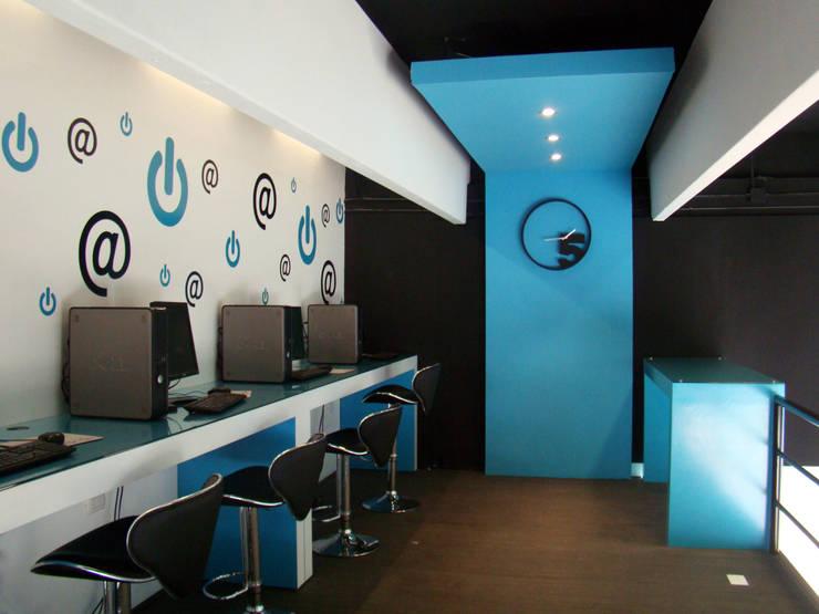 PRINTEX: Espacios comerciales de estilo  por STUDIO 360