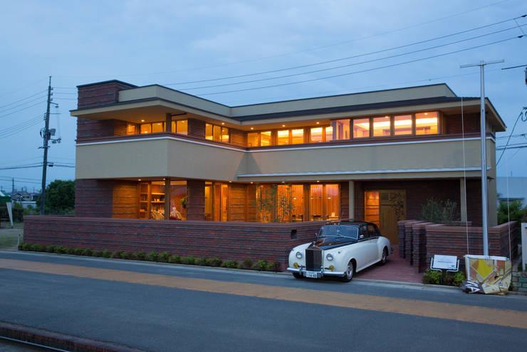 บ้านและที่อยู่อาศัย โดย 株式会社山崎屋木工製作所 Curationer事業部, โมเดิร์น