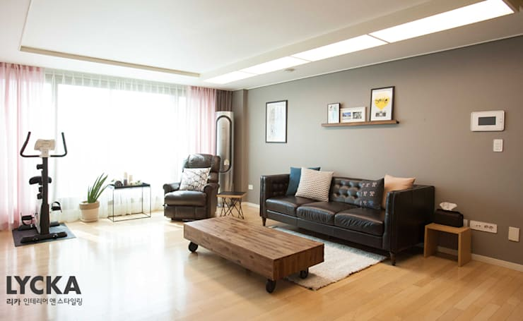 내추럴 스타일 인테리어 역삼그레이튼아파트: LYCKA interior & styling의  거실,북유럽