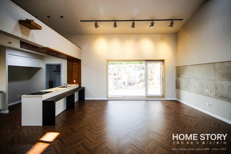 Salas / recibidores de estilo  por (주)홈스토리