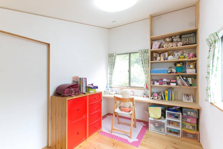 葛城の家: 株式会社 atelier waonが手掛けた子供部屋です。