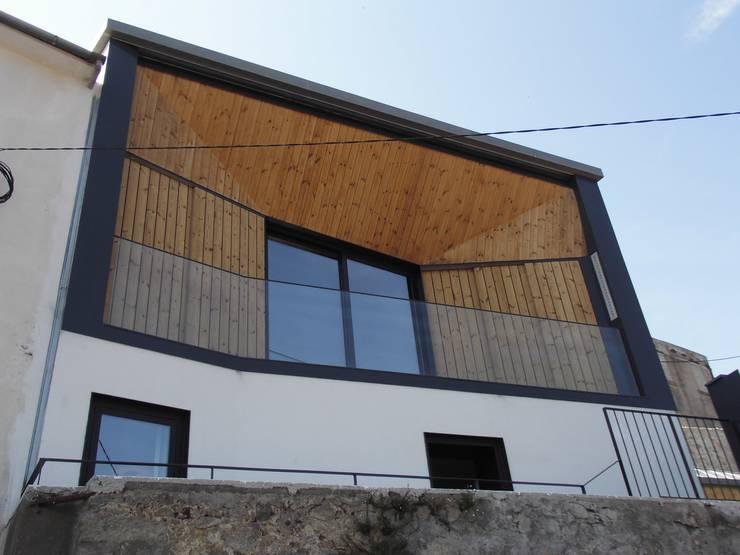 House in Castle Street | Vila Nova de Gaia | Portugal: Casas  por Bastos & Cabral - Arquitectos, Lda. | 2B&C