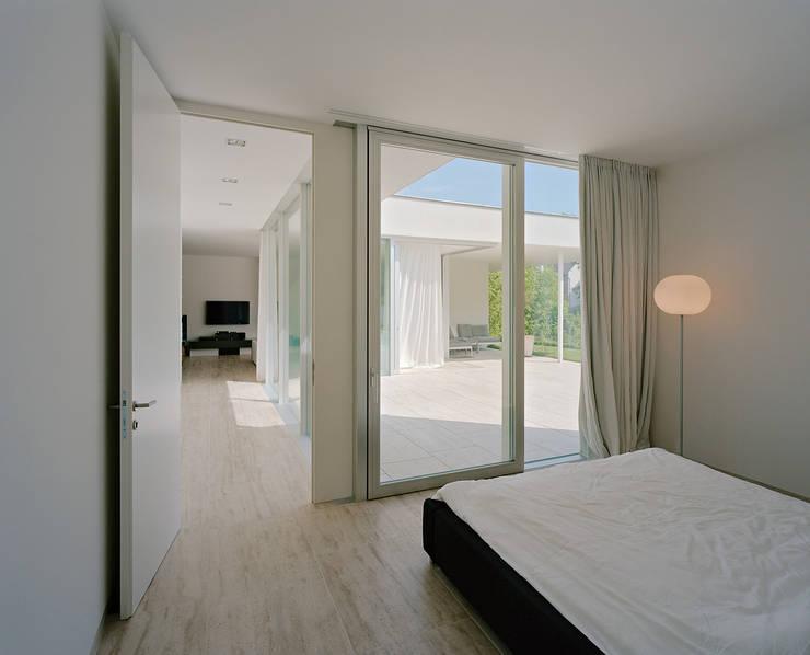 SILVERGIRL: moderne Schlafzimmer von DREER2
