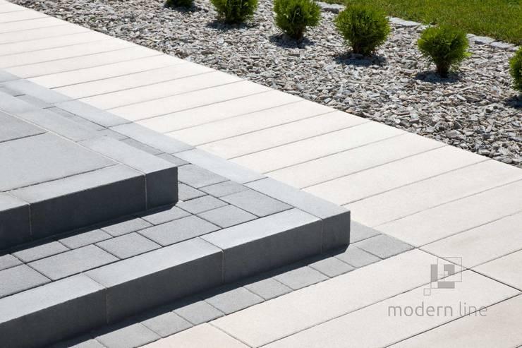 Nowoczesne nawierzchnie z betonu – taras i ogród: styl , w kategorii Taras zaprojektowany przez Modern Line