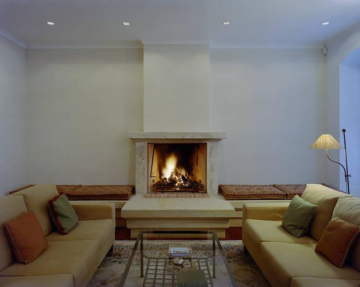 STADTVILLA: landhausstil Wohnzimmer von DREER2