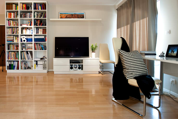 BIAŁE WNĘTRZE: styl , w kategorii Salon zaprojektowany przez IDAFO projektowanie wnętrz i wykończenie