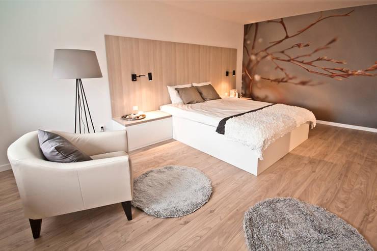 PRZESTRONNY APARTAMENT: styl , w kategorii Sypialnia zaprojektowany przez IDAFO projektowanie wnętrz i wykończenie,