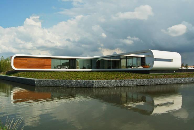 Villa New Water:  Huizen door Waterstudio.NL
