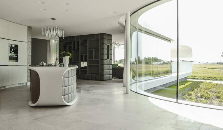 Villa New Water: moderne Woonkamer door Waterstudio.NL