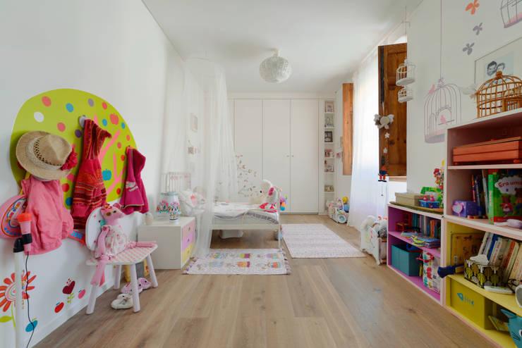 ห้องนอนเด็ก by Ricardo Moreno Arquitectos