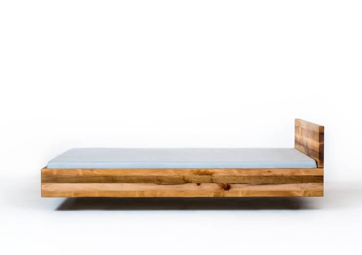 MAZZIVO bed POOL - solid alder wood: styl , w kategorii Sypialnia zaprojektowany przez mazzivo konzept + gestaltung przemysław mitręga,