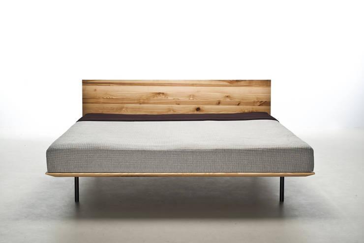 MAZZIVO bed MODO - solid ash wood: styl , w kategorii Sypialnia zaprojektowany przez mazzivo konzept + gestaltung przemysław mitręga