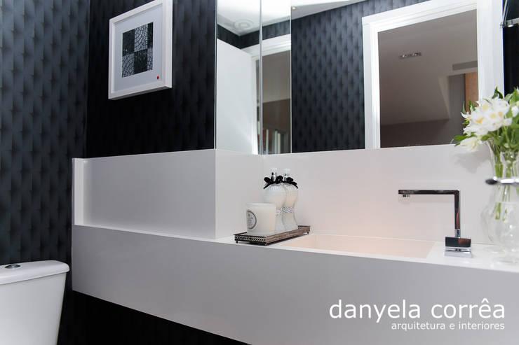 Salle de bains de style  par Danyela Corrêa, Classique