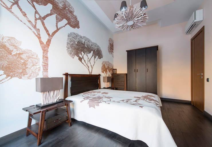 Дизайн проект интерьера загородного дома в КП Покровский: Спальни в . Автор – r-interiors,