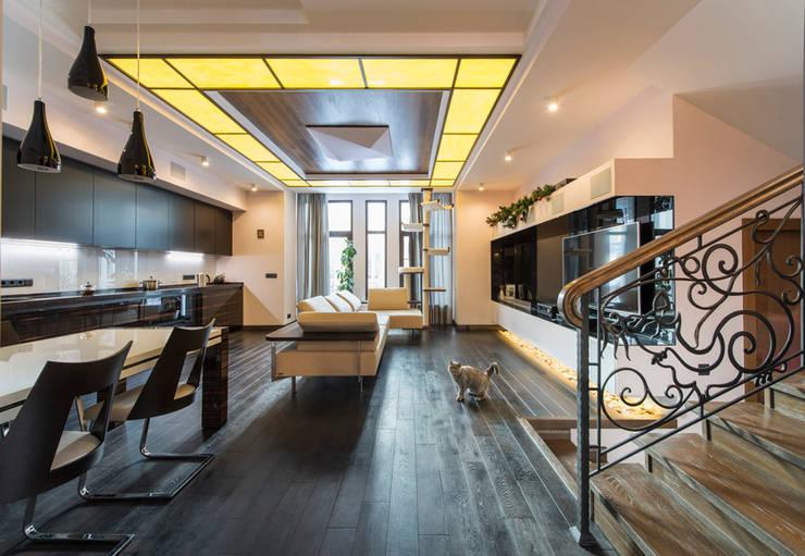 Дизайн проект интерьера загородного дома в КП Покровский: Гостиная в . Автор – r-interiors,