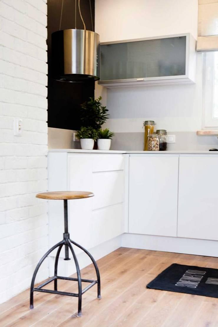 Realizacja 13 : styl , w kategorii Kuchnia zaprojektowany przez MGN Pracownia Architektoniczna,Nowoczesny