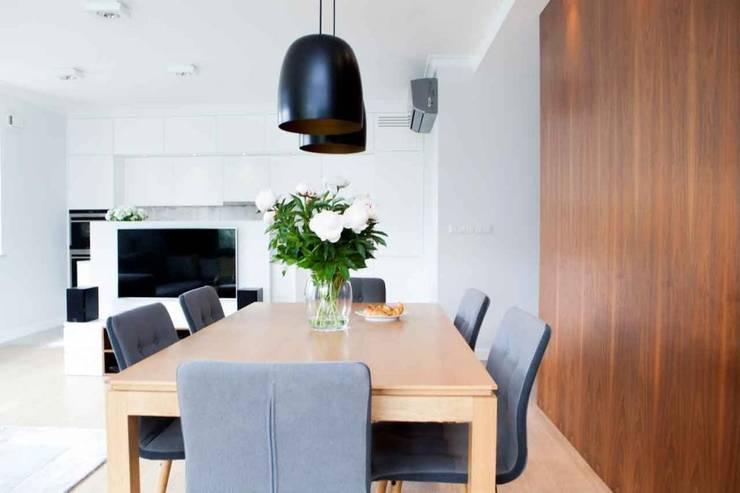 Realizacja 12 : styl , w kategorii Jadalnia zaprojektowany przez MGN Pracownia Architektoniczna,
