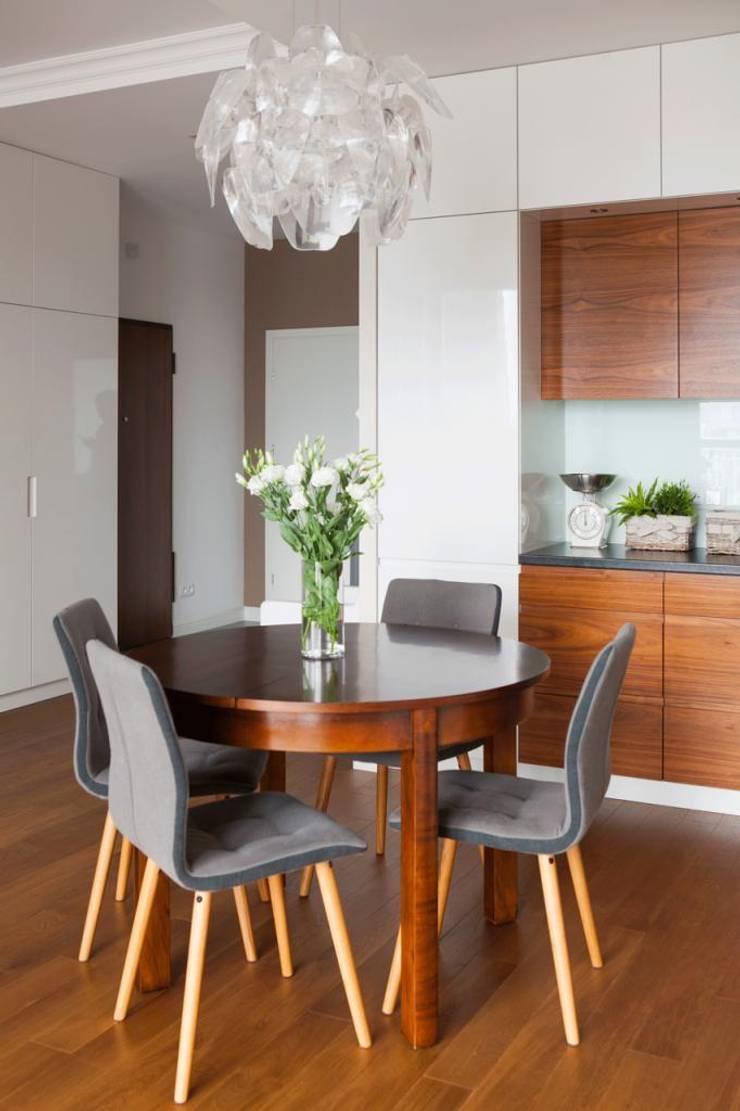 Realizacja 11: styl , w kategorii Jadalnia zaprojektowany przez MGN Pracownia Architektoniczna,