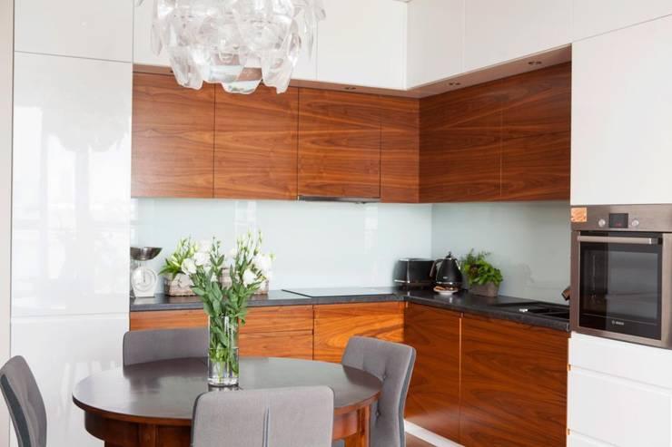 Realizacja 11: styl , w kategorii Kuchnia zaprojektowany przez MGN Pracownia Architektoniczna,
