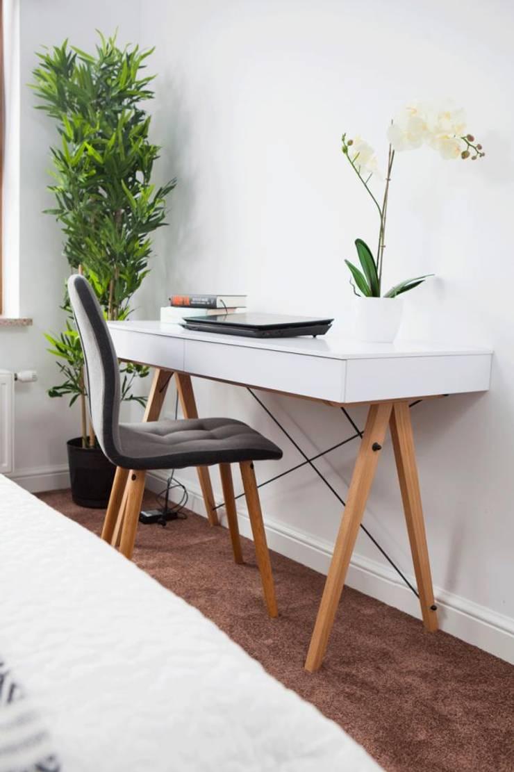 Realizacja 11: styl , w kategorii Domowe biuro i gabinet zaprojektowany przez MGN Pracownia Architektoniczna,