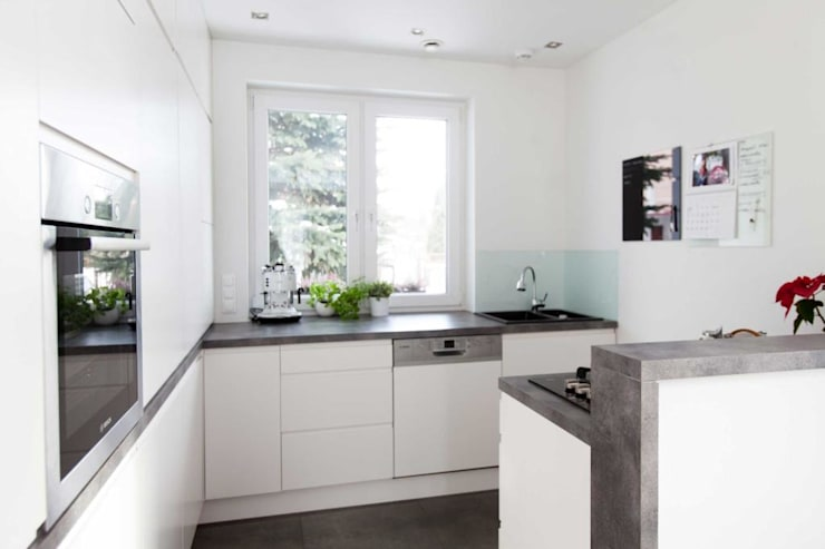 Modern kitchen by MGN Pracownia Architektoniczna Modern