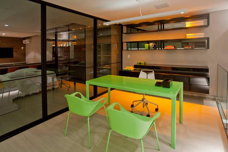 Ampla Ambientes:  tarz Ofis Alanları & Mağazalar